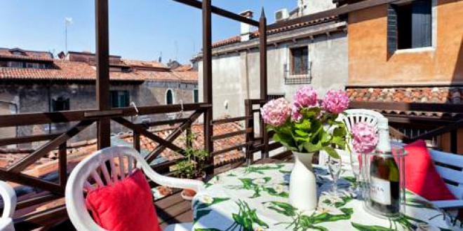 Grimaldi Apartments. Address: Cannaregio 4385, Venice.